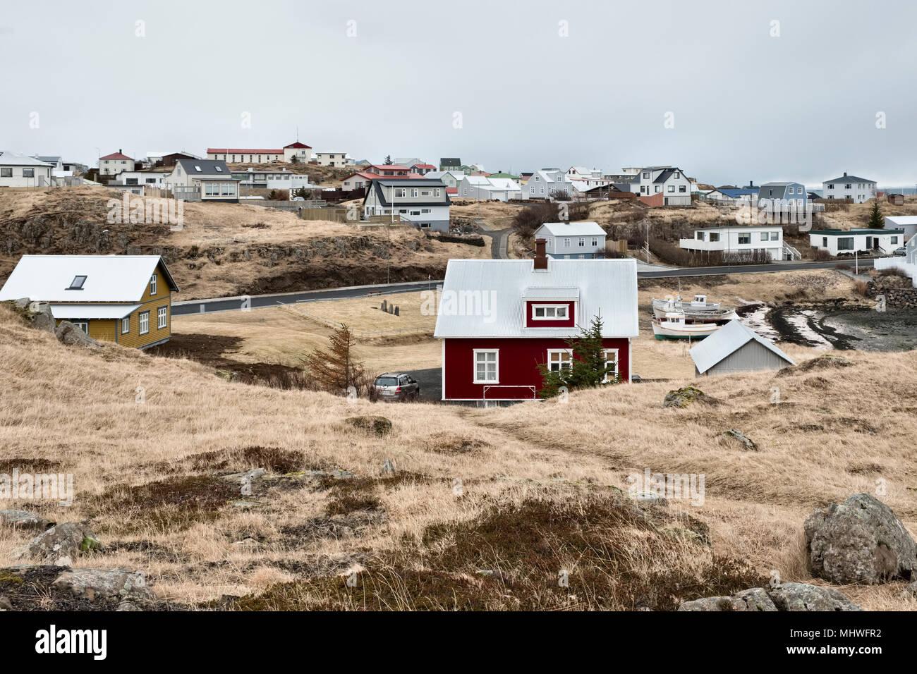 West Island - typische Häuser in der malerischen Stadt Stykkishólmur auf der Halbinsel Snaefellsnes. Stockbild