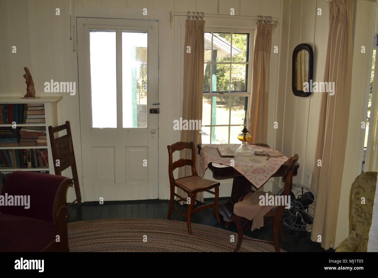 Antike Mobel In Alten Florida Cracker Haus Stockfoto Bild