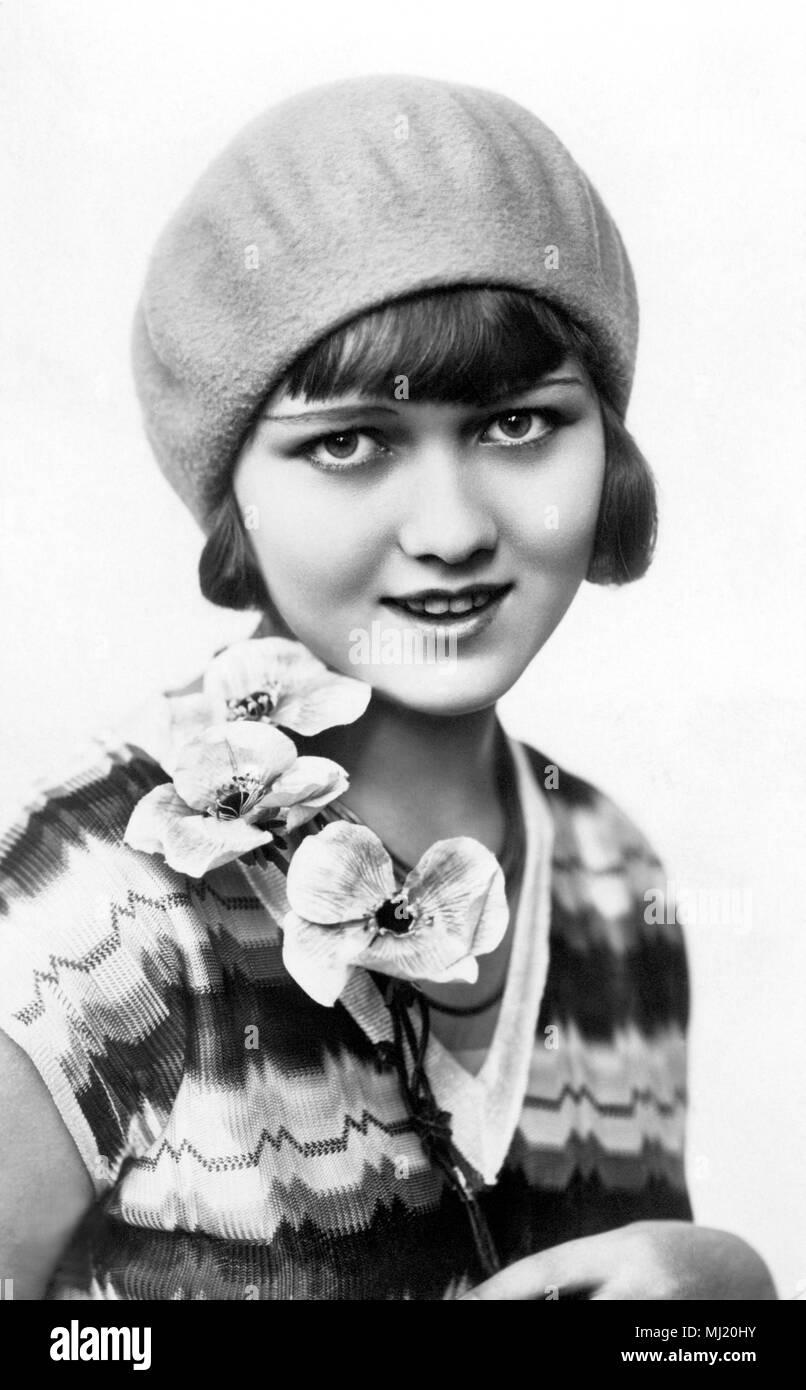 Woman Fashion 1920s Stockfotos & Woman Fashion 1920s Bilder - Seite ...