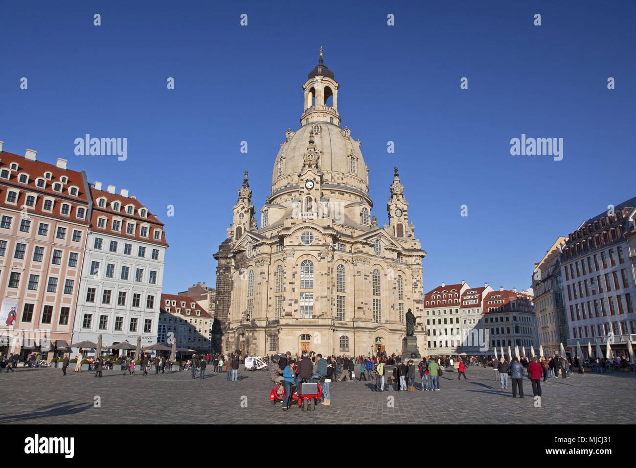 die kirche unserer lieben frau in der altstadt von dresden sachsen deutschland stockfoto bild. Black Bedroom Furniture Sets. Home Design Ideas