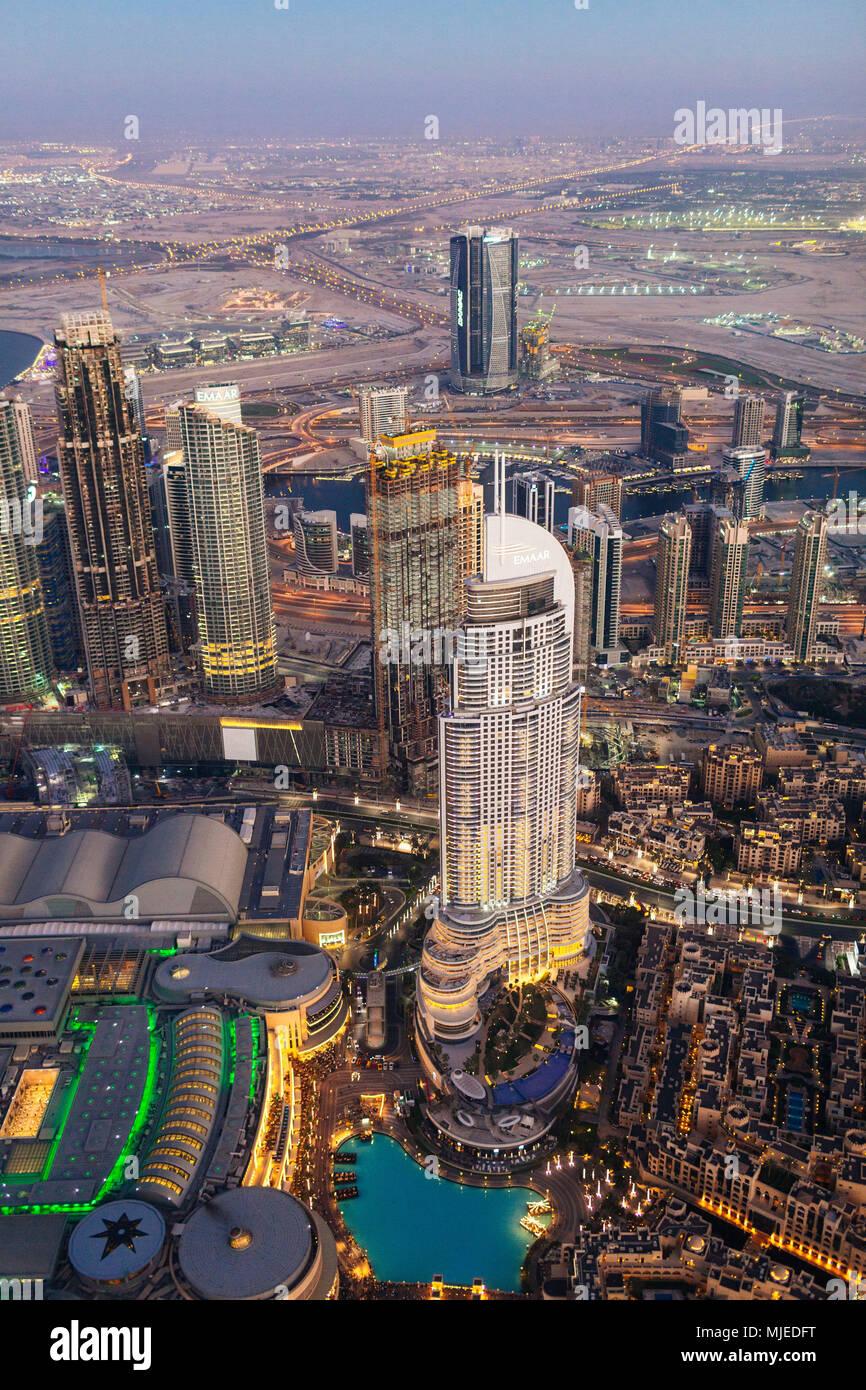 Dubai City Blick von oben, Sonnenuntergang Stockbild