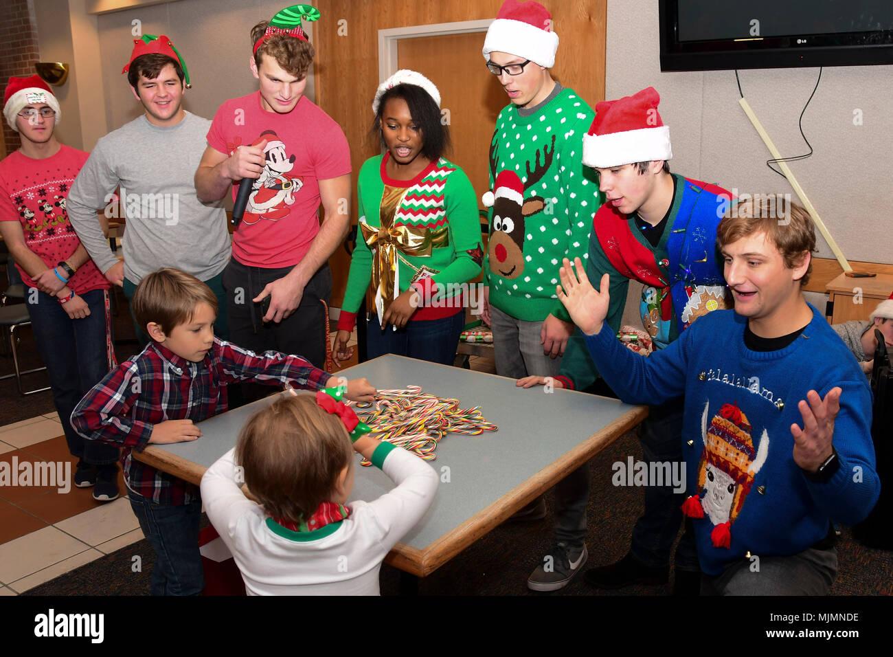 Spiele Weihnachtsfeier.Senioren Vom Greenbrier Christliche Akademie Host Party Spiele