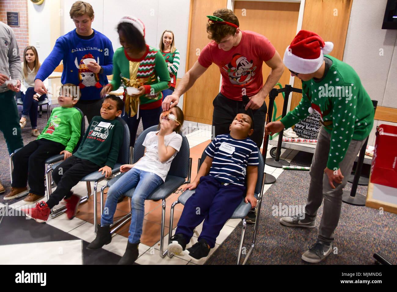 Spiele Weihnachtsfeier.Kinder Nehmen An Party Spiele Vom Greenbrier Christliche Akademie