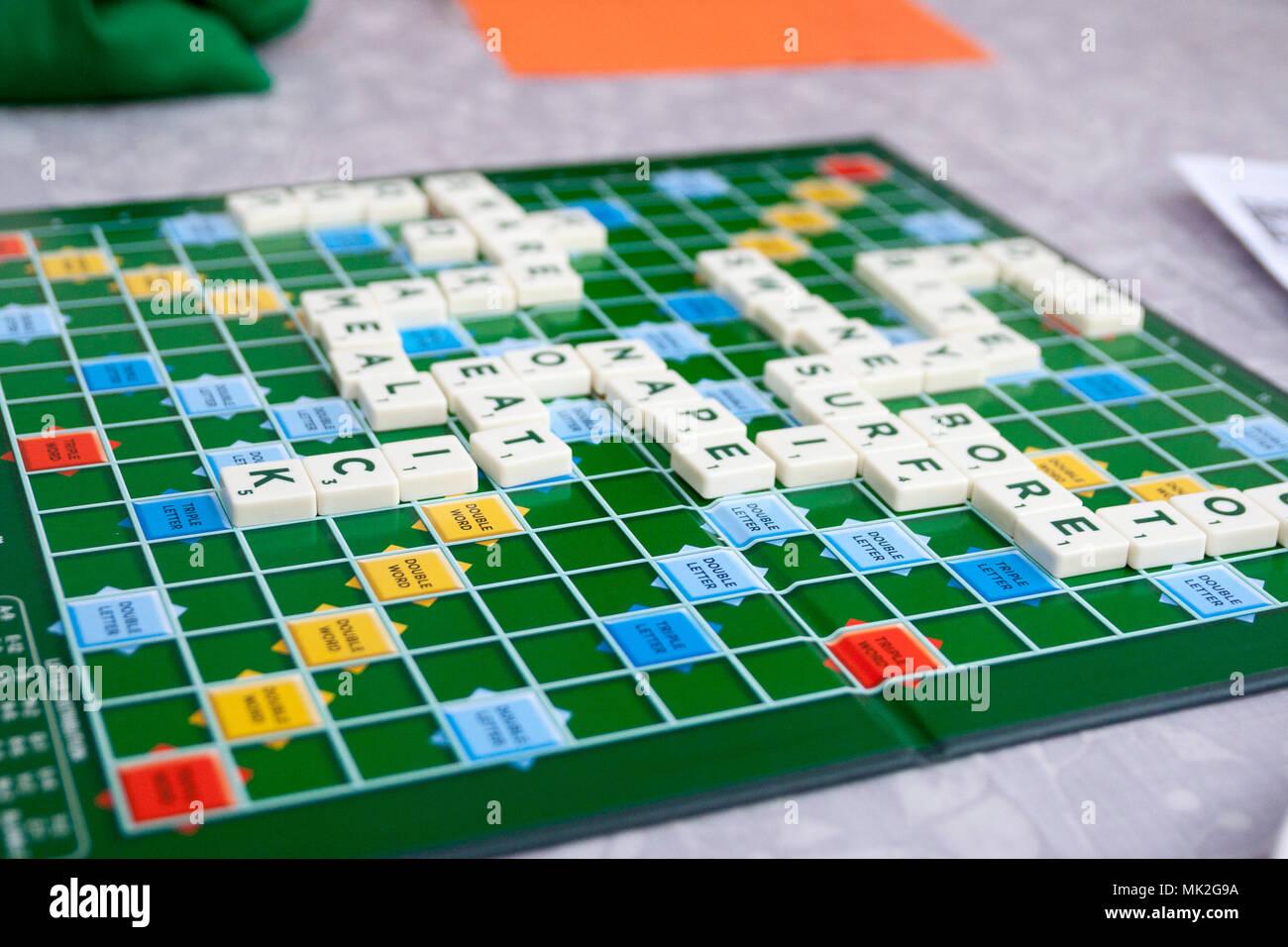 Kinder Kinder Familie Brettspiel Scrabble Brettspiel Pädagogische