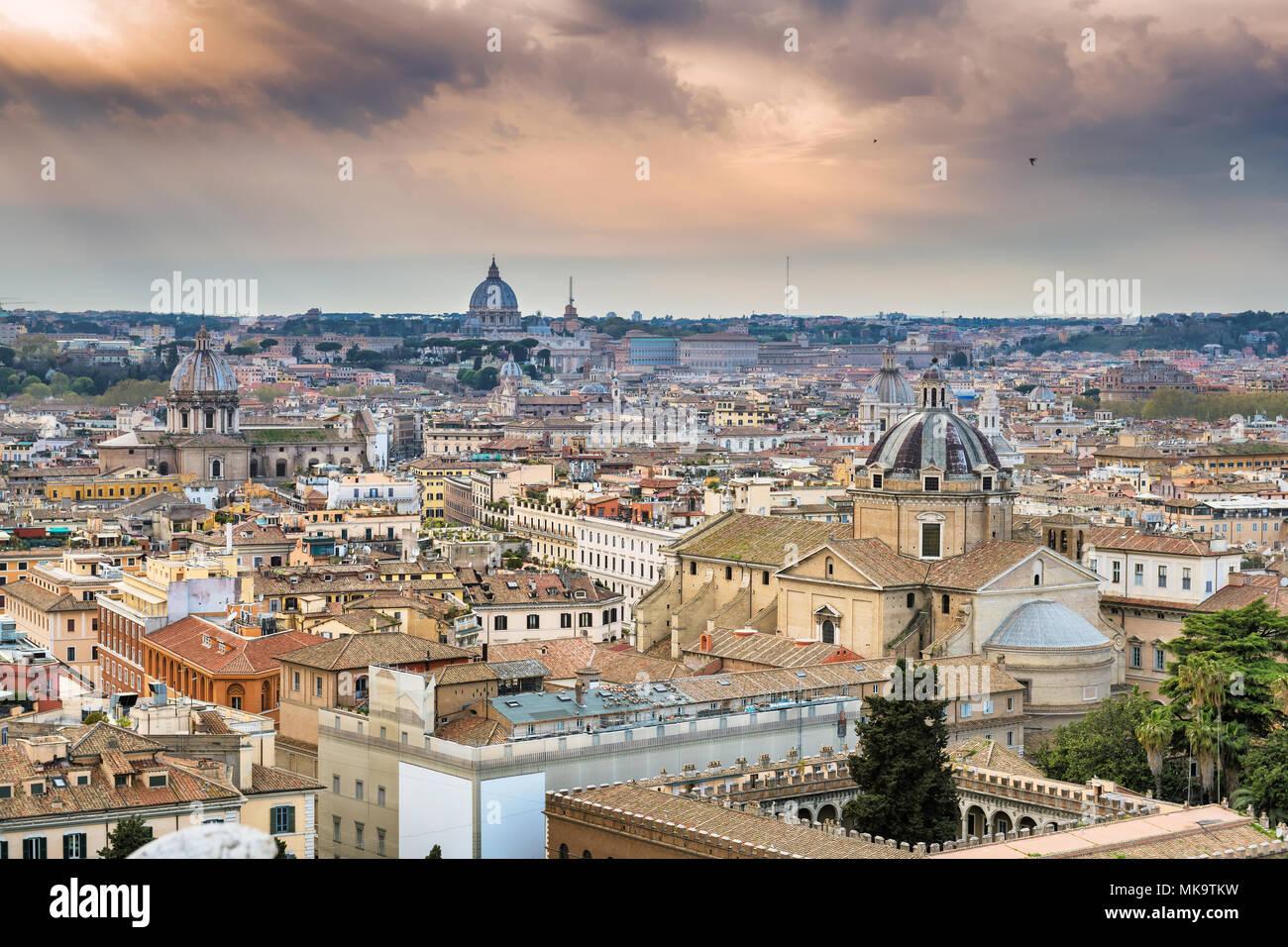 Skyline von Rom, Italien Stockbild