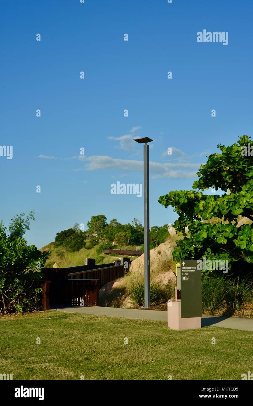 Die Coastal Promenade an jezzine Kasernen, Kissing Point fort, Townsville, Queensland, Australien Stockbild