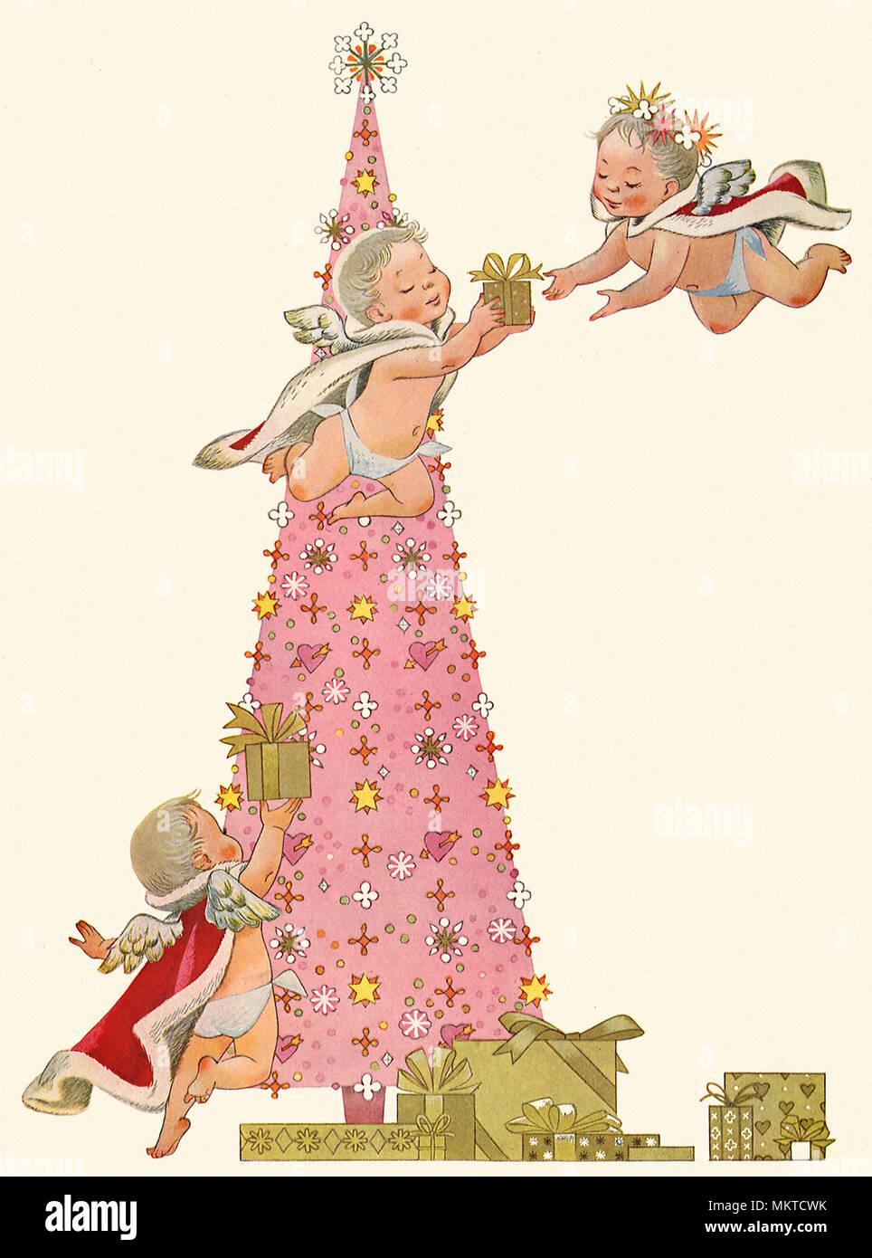 Rosa Weihnachtsbaum.Engelchen Dekorieren Rosa Weihnachtsbaum Stockfoto Bild 184319119