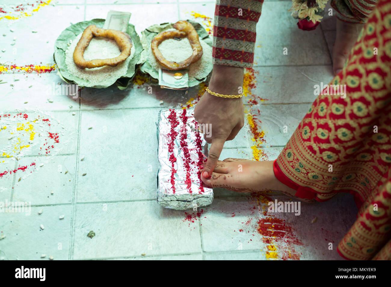 Nepalesische Braut Und Brautigam Die Hinduistischen Hochzeit Rituale