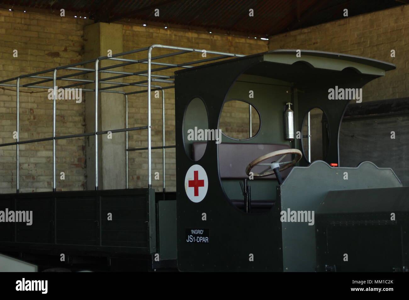 Innere Aufnahme der Fahrzeug Schuppen und WW1 Fahrzeuge zu verstauen Maries Große Krieg Flugplatz, Purleigh, Essex, Großbritannien. Stockbild