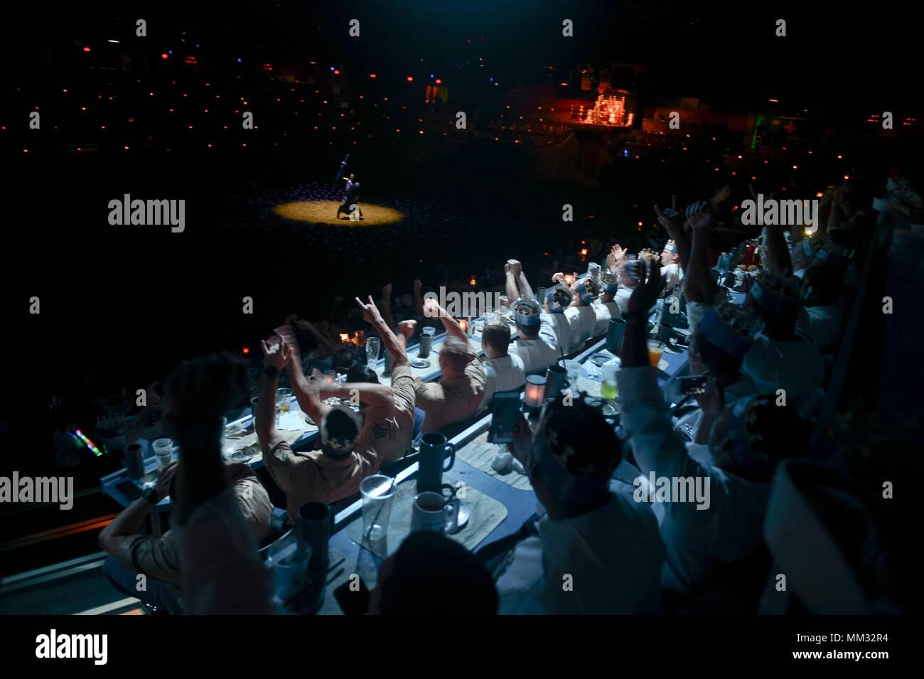 Dinner Theater Stockfotos & Dinner Theater Bilder - Alamy