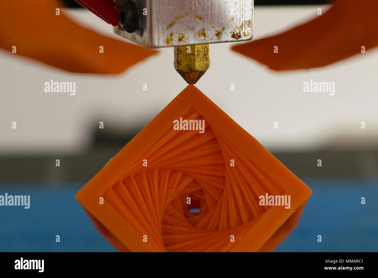 3d-Drucker Heiß-Düse mit gedruckten Objekt Konzept Stockbild