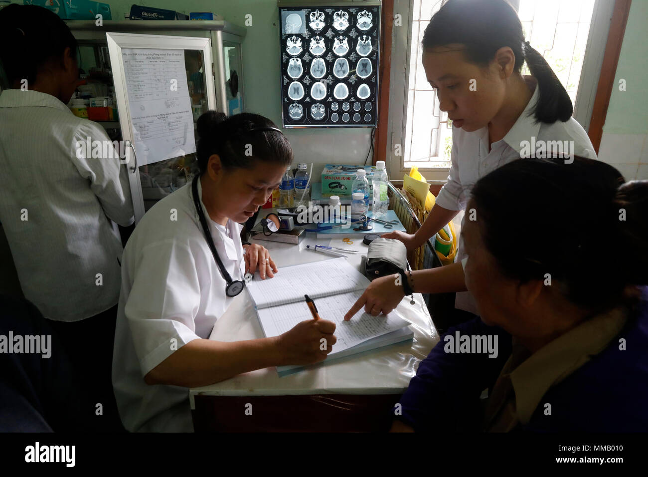 Freie Gesundheit Klinik laufen durch die Franziskaner Missionsschwestern von Maria. Medizinische Beratung. Medikation. Stockbild