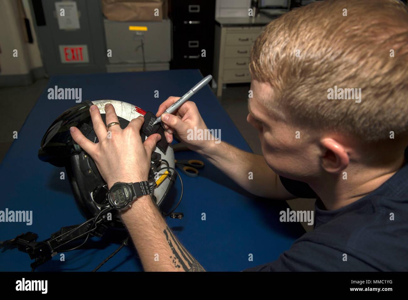 Parachute Rigger Stockfotos & Parachute Rigger Bilder - Alamy
