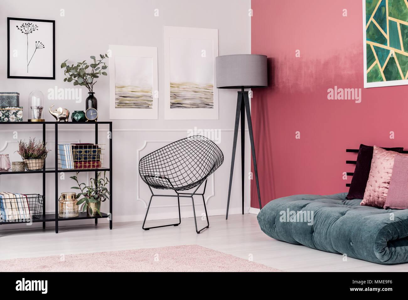 Ecke Ein Elegantes Zimmer Mit Grau Und Schwarz Lampe Grün Futon Und