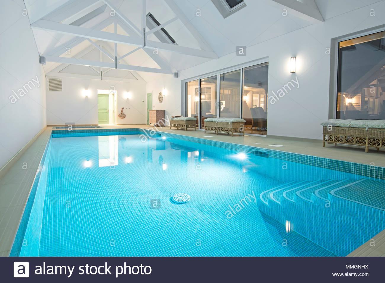 Indoor swimming pool luxus  Private Indoor Swimming Pool Stockfotos & Private Indoor Swimming ...