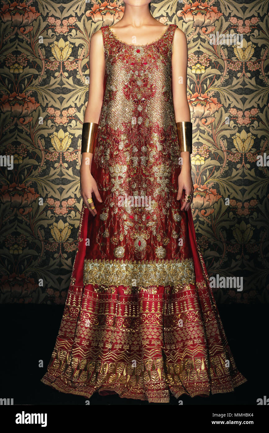 Pakistanische und indische Frauen Mode Modell Übersicht Hochzeit Bilder