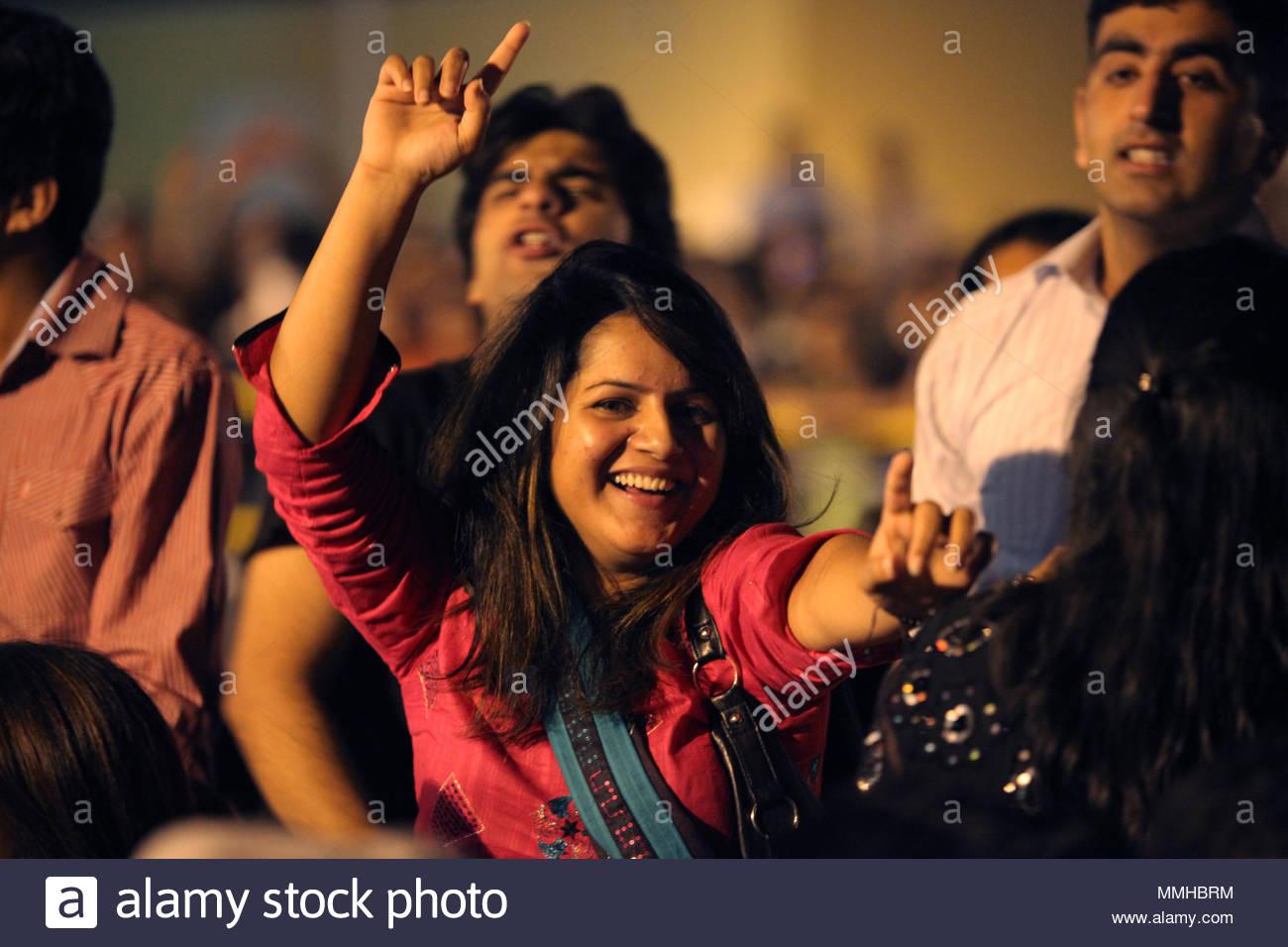 Mtv Asian Woman Stockfotos & Mtv Asian Woman Bilder - Alamy