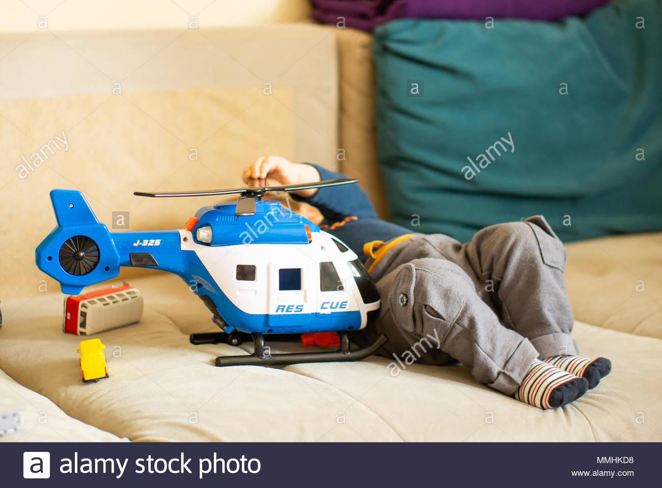 Rettungshubschrauber Rescue Weiß Spielzeug für Kinder Spielzeugautos