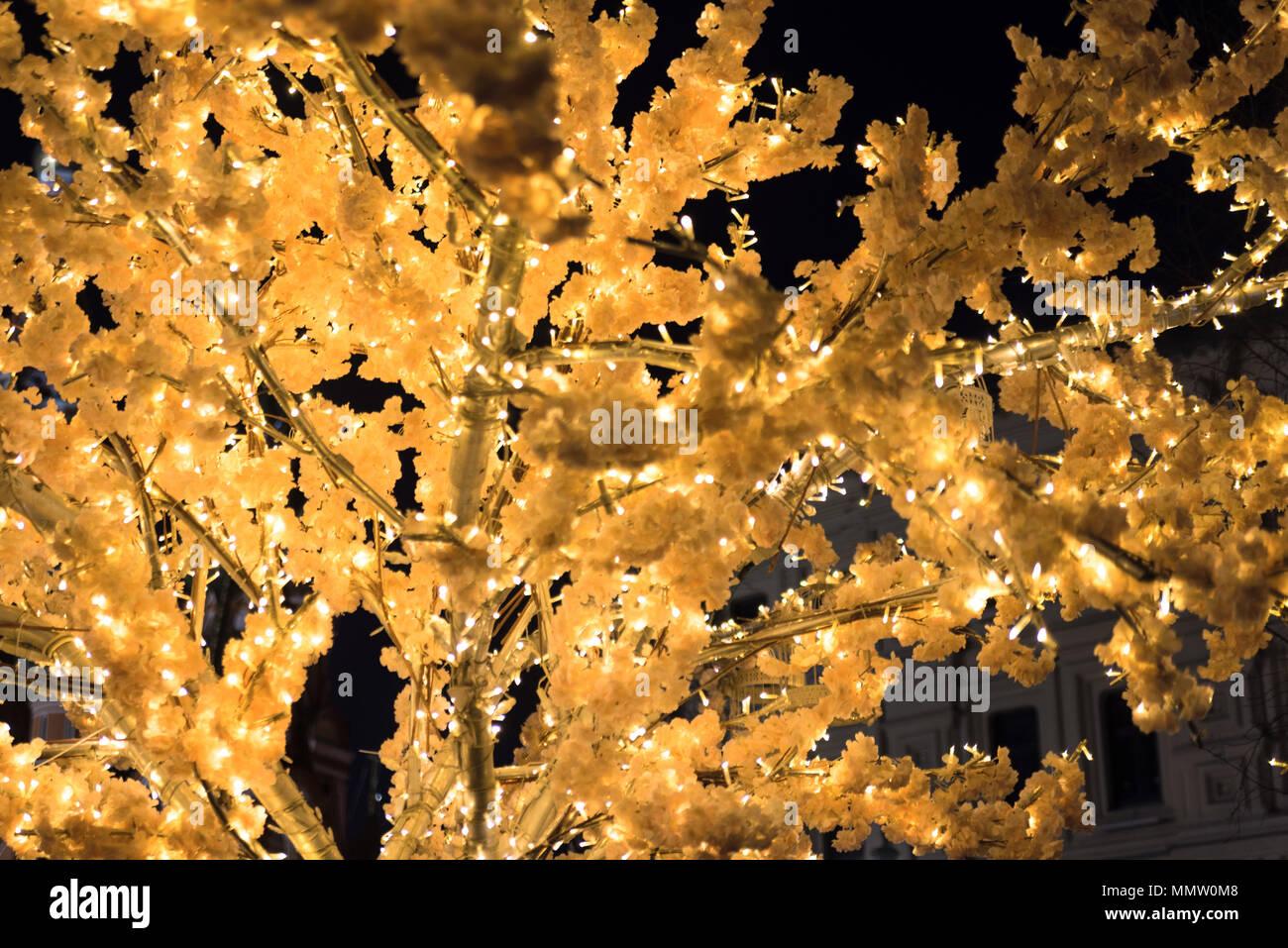 Weihnachtsbeleuchtung Glühlampen.Moskau Russia January 2018 Weihnachtsbeleuchtung Bäume Von