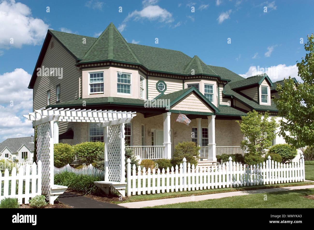 neues haus mit einem viktorianischen geschmack architektur nur eine von vielen neuen haus