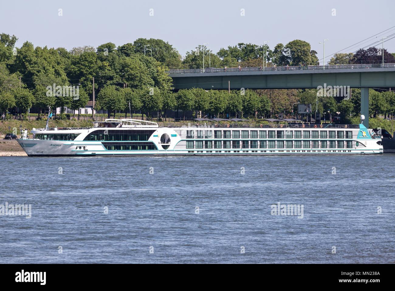 Rver ANESHA Kreuzfahrtschiff von Phoenix Reisen in Köln, Deutschland. ANESHA hat eine Kapazität von 180 Passagieren und ist 135 m lang. Stockbild