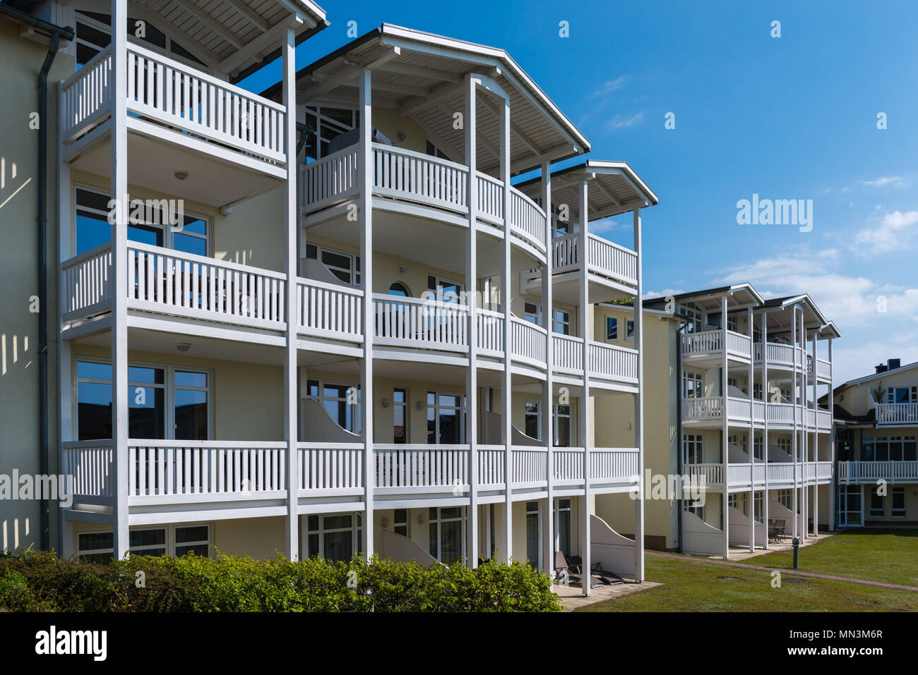 Neue Gebäude in der eebäder - Architektur, traditionelle Architektur, Göhren, Insel Rügen, Mecklenburg-Vorpommern, Deutschland Stockbild