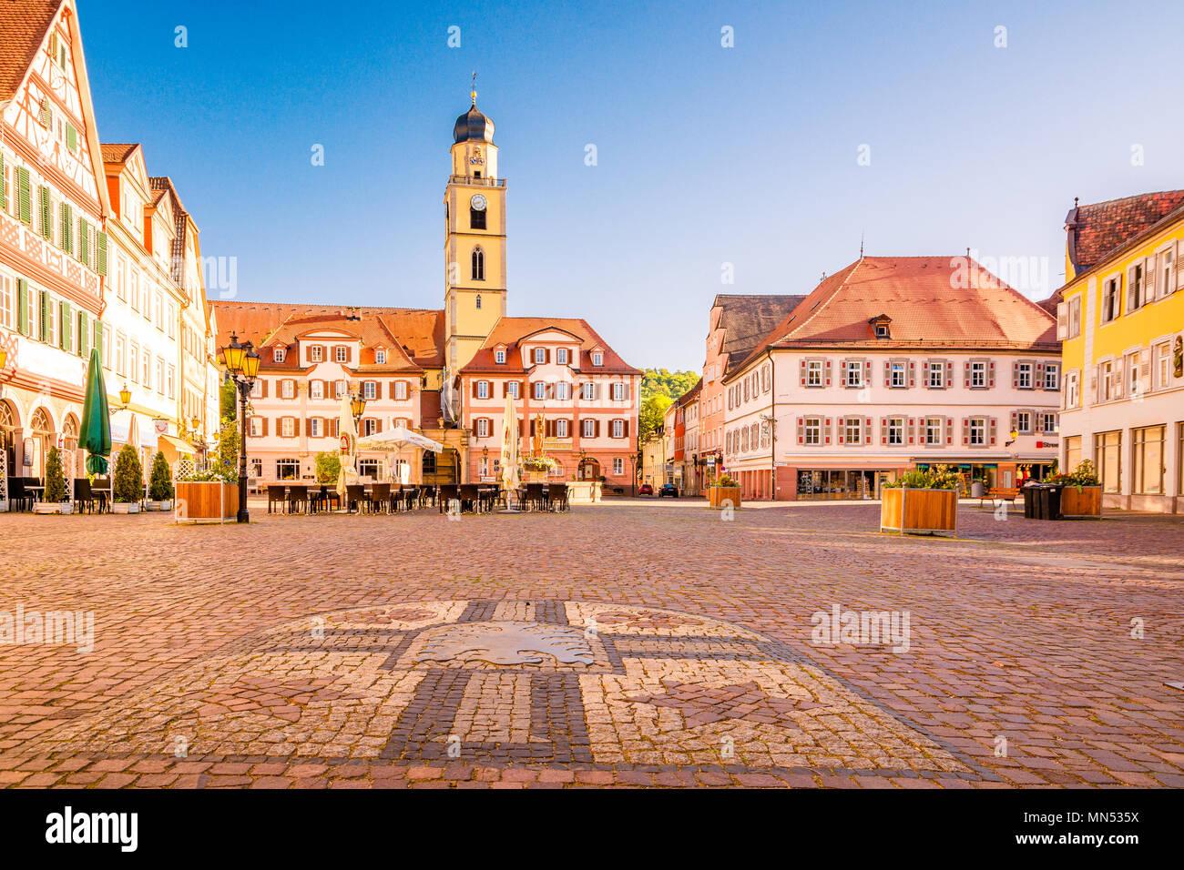 Schöne Aussicht auf die Altstadt von Bad Mergentheim - Teil der Romantischen Straße, Bayern, Deutschland Stockbild