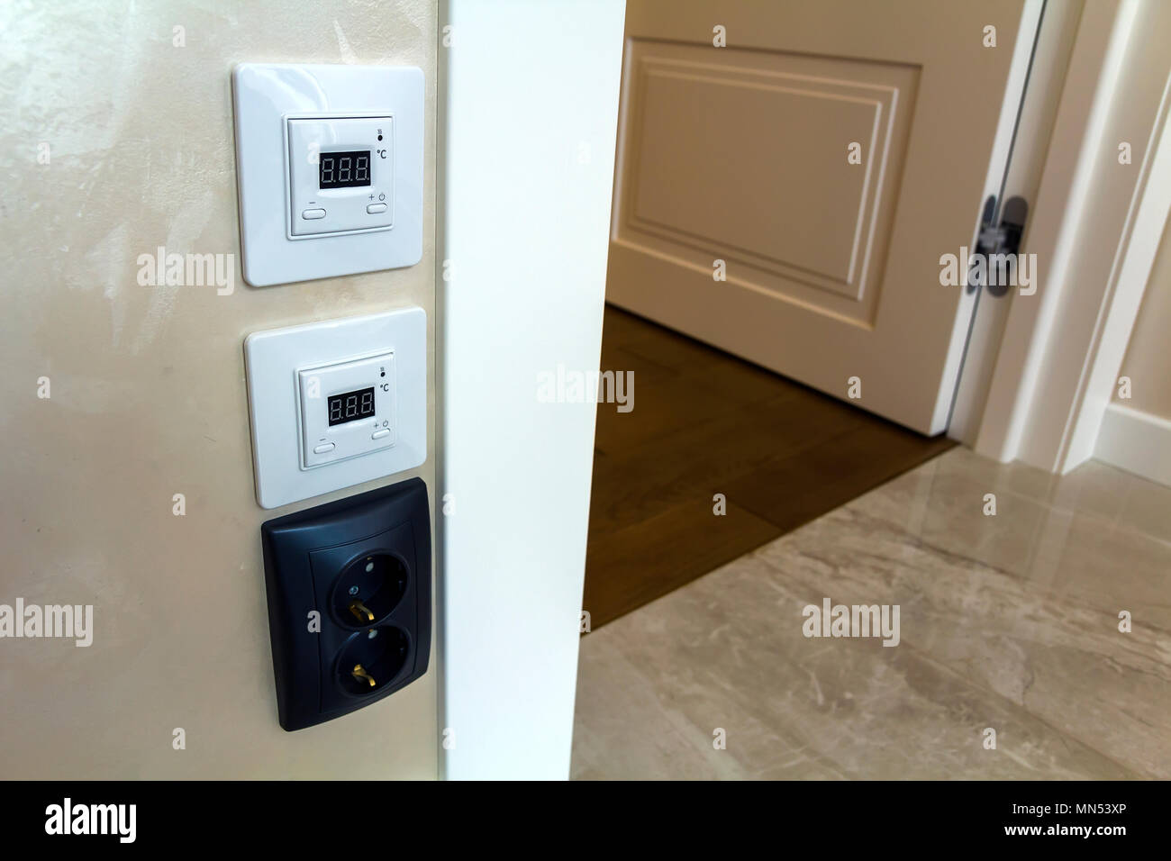 Fußbodenplatten Xp ~ Warm wall panels stockfotos & warm wall panels bilder alamy