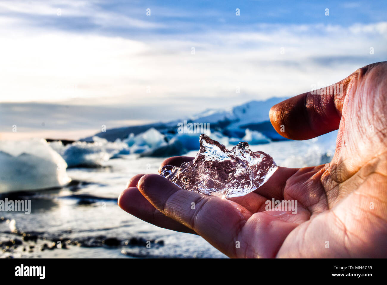 Eisberg in der Hand Stockbild