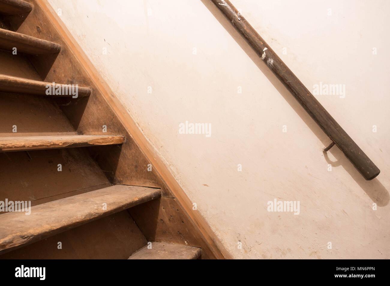 Alt Dreckig Retro Treppe Zum Dachboden Des Alten Landhauses
