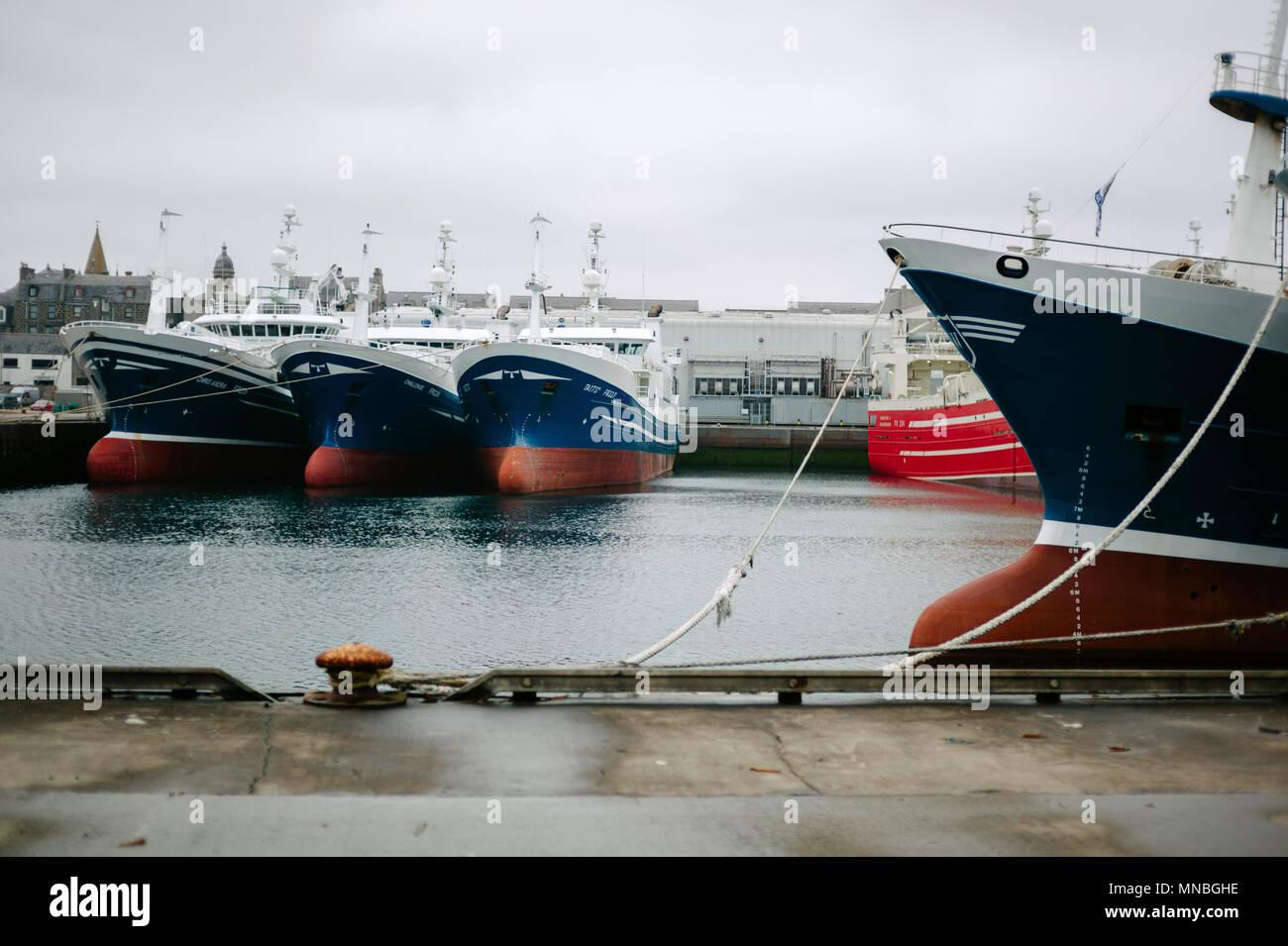 Pelagische Trawler in Peterhead Hafen. Stockbild