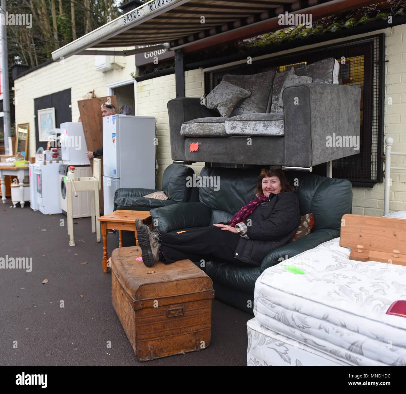 Zweite Hand Möbel Und Haushaltswaren Shop In Oakengates Stockfoto