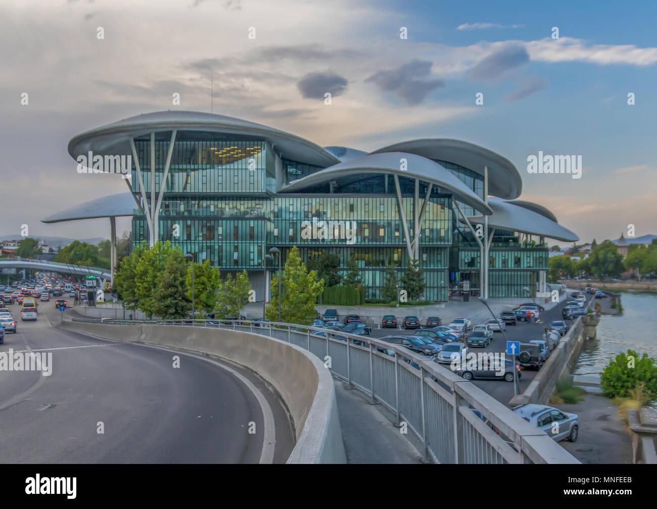 In Tiflis Ist Moglich Viele Beispiele Moderner Architektur