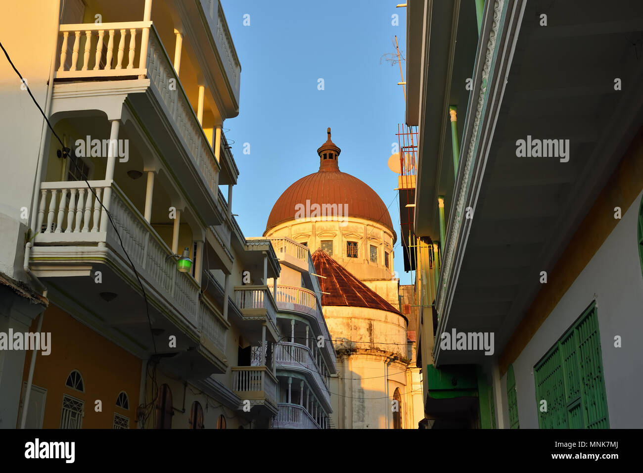 Blick auf den Dom mit dem Domplatz im Cap Haitien Stadt in Haiti Stockbild