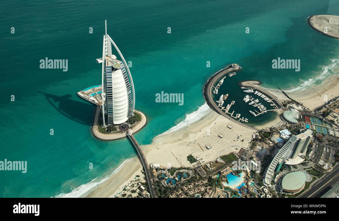 Dubai, Vereinigte Arabische Emirate, 18. Mai, 2018: Luftaufnahme der Welt am besten bewertet Hotel Burj Al Arb Stockbild