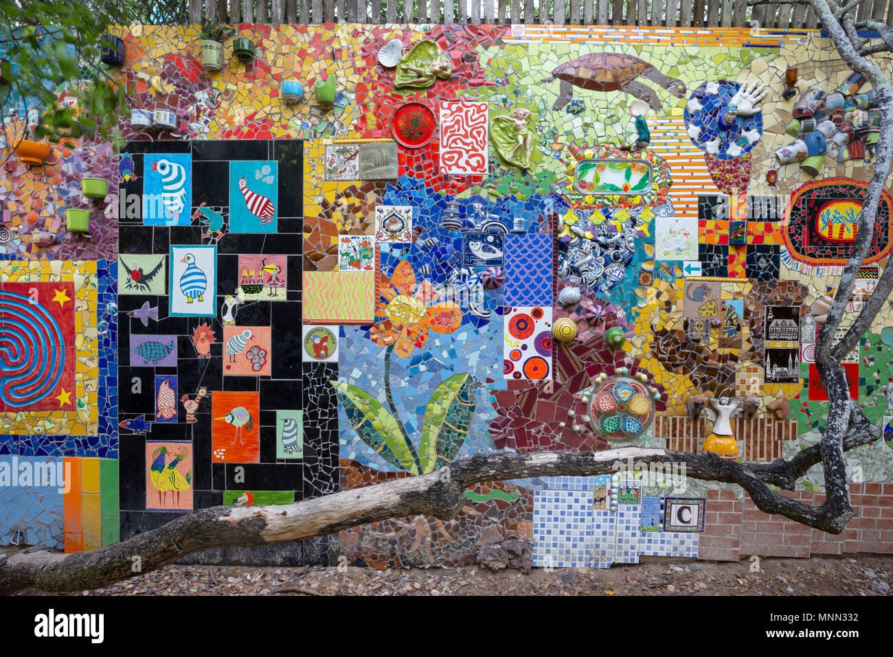Die Galápagos-Keramik Mosaik Kunst Garten in Puerto Ayora, Isla ...