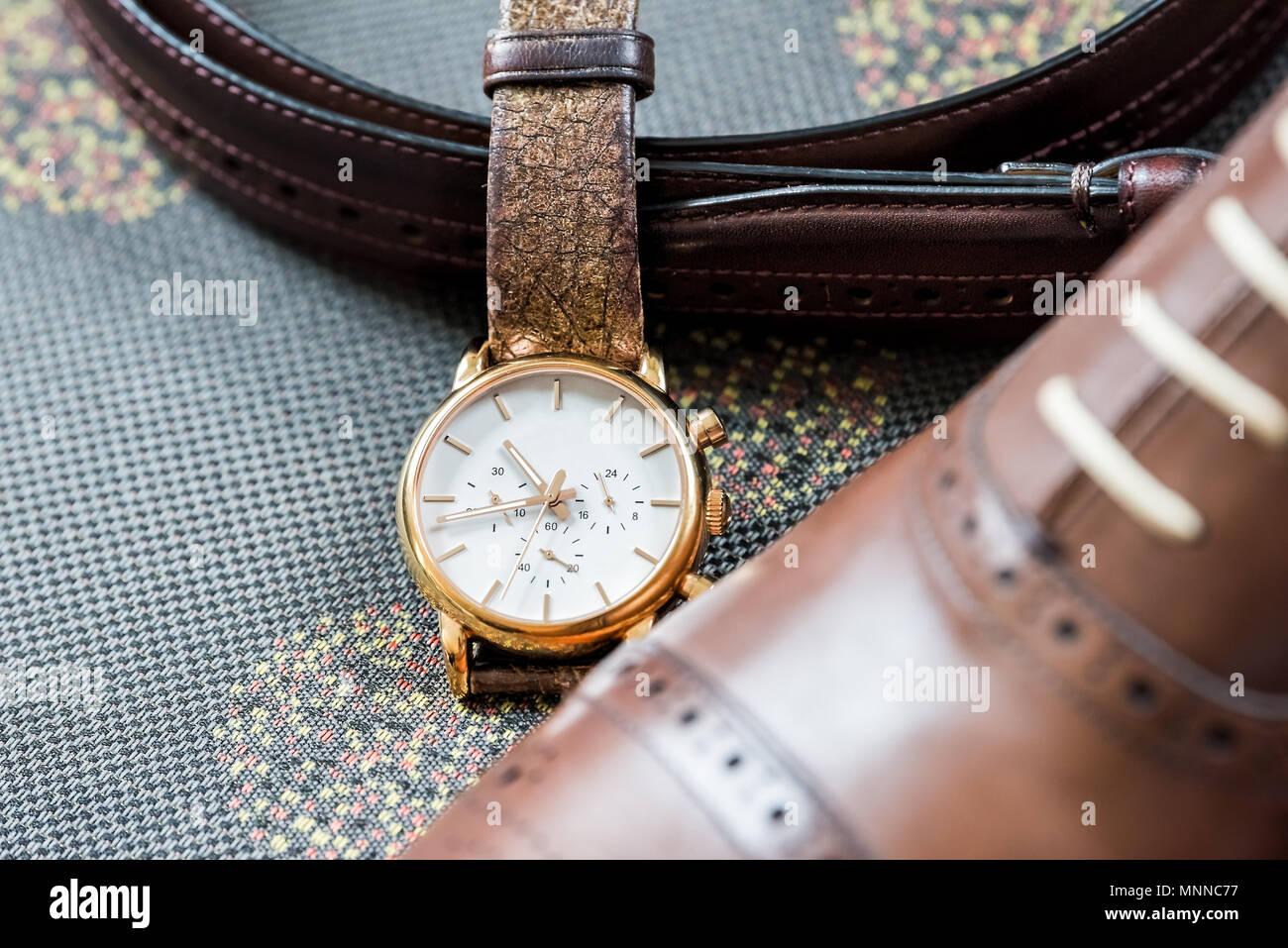 Herren Leder Neue Braune Schuhe Vintage Retro Luxus Gold