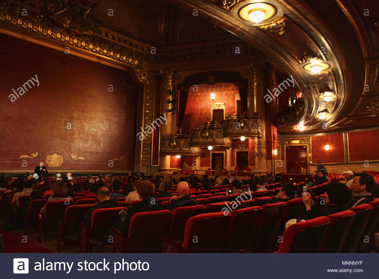 Die Elgin Und Winter Garden Theater Sind Ein Paar Gestapelte