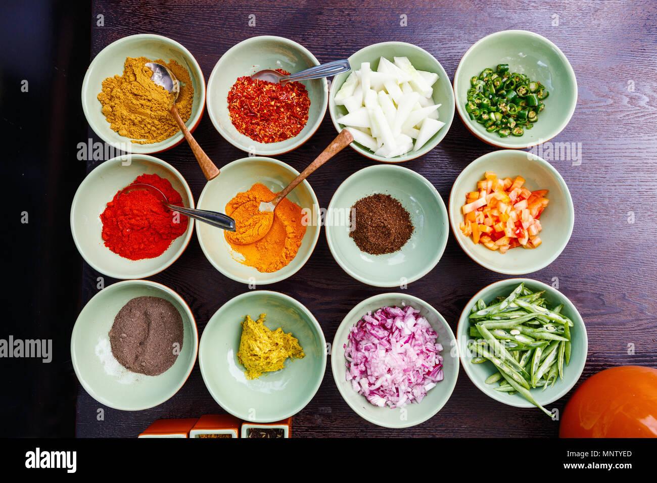 Gewürze Zutaten zum Kochen für die Curry Stockbild