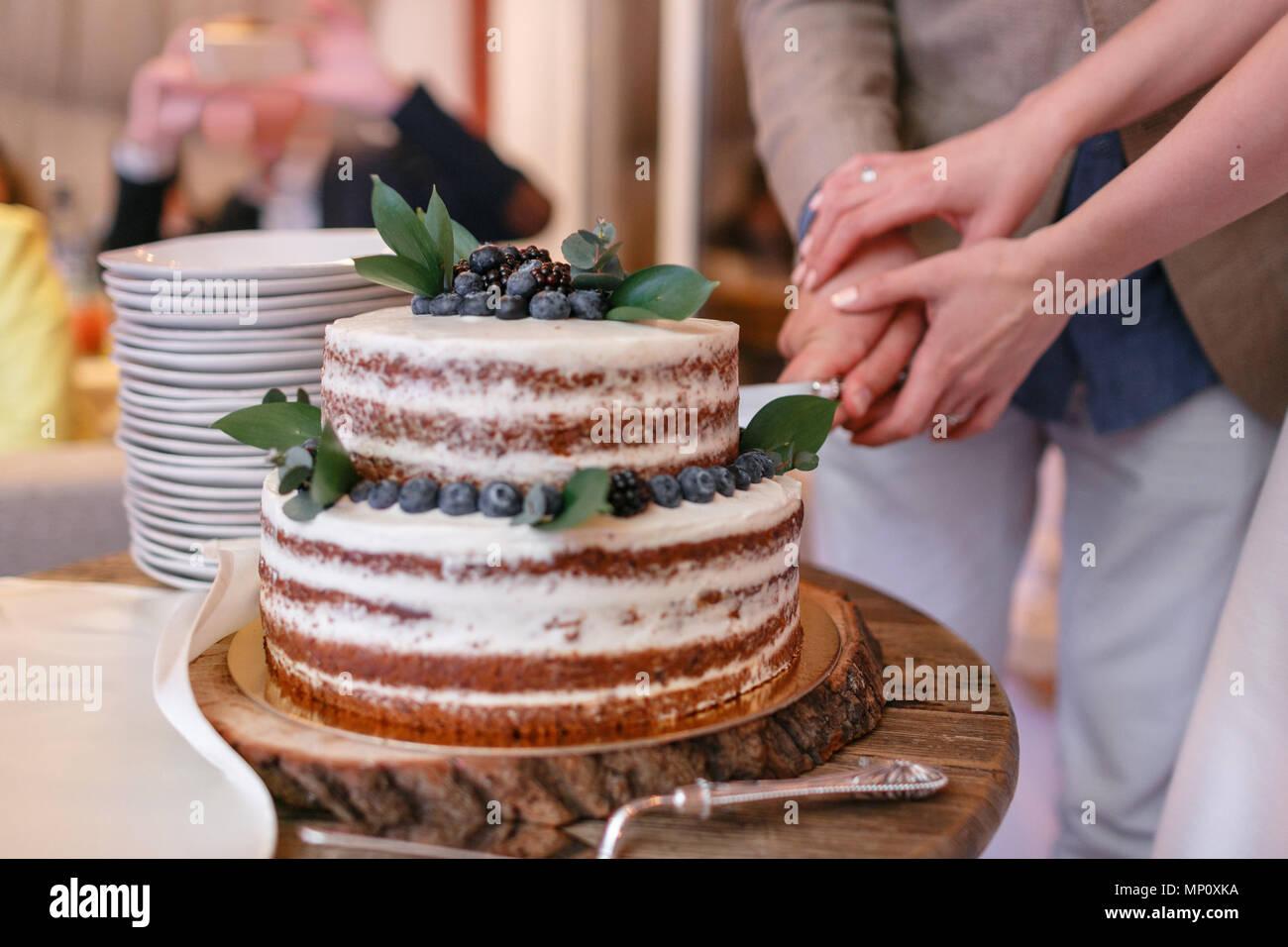 Hochzeit Schneiden Stockfotos Hochzeit Schneiden Bilder Alamy