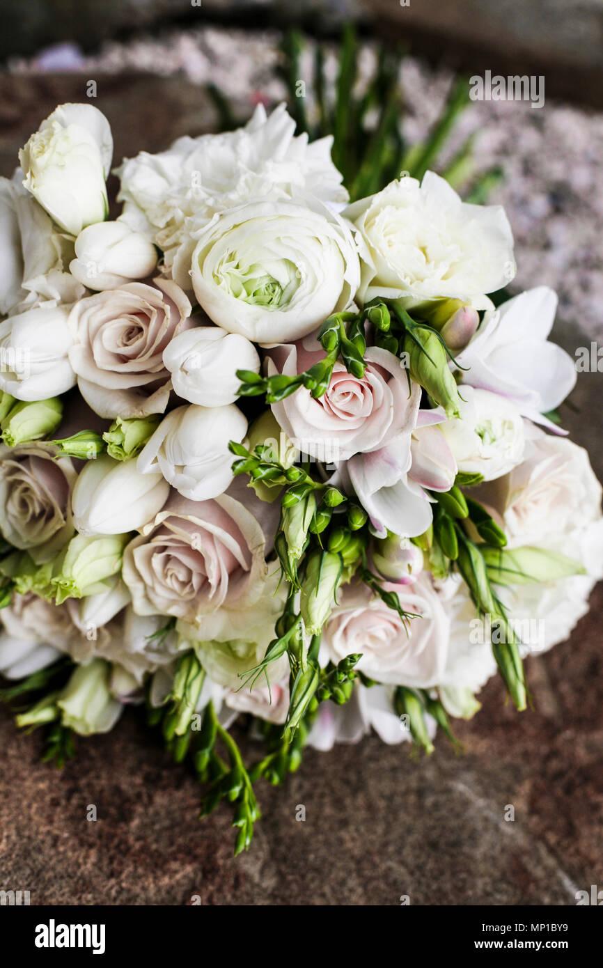 Weiss Rosa Pastell Stilvoll Und Zarte Peonias Rosen Mix Blumenstrauss
