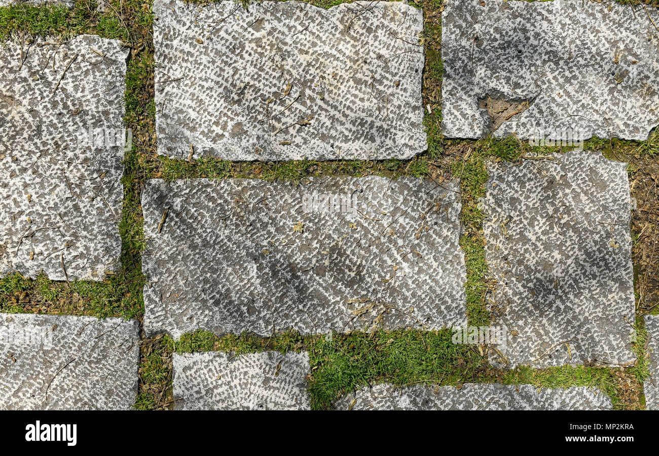dreckig außerhalb der altstadt terrasse aus granit fliesen. bild von