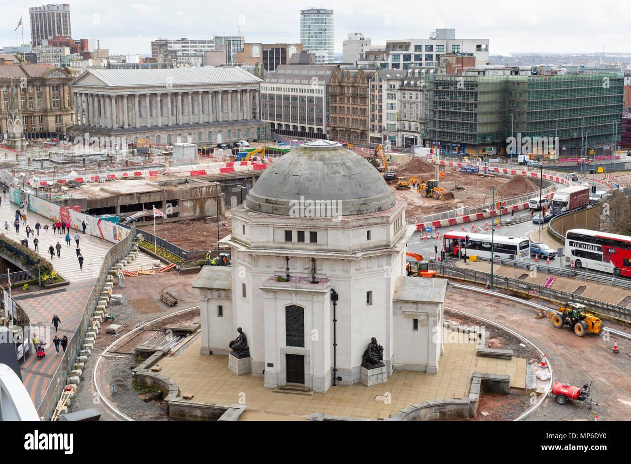 Die Bauarbeiten in der Halle der Erinnerung in den Centenary Square, Birmingham. Die Aussicht ist aus der Bibliothek von Birmingham. Stockbild