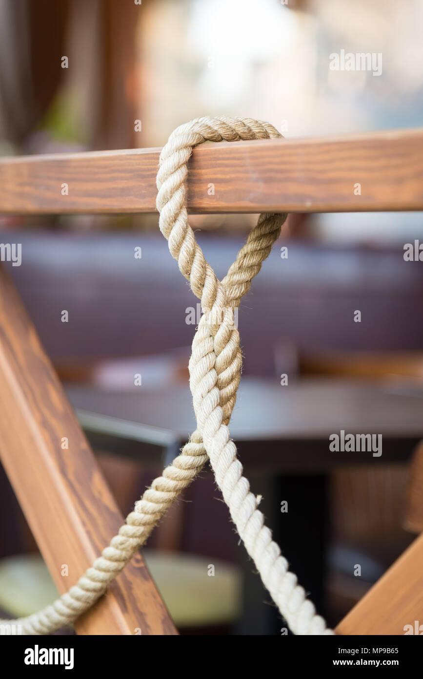 Das Seil Flechten Den Zaun Stockfoto Bild 185832477 Alamy