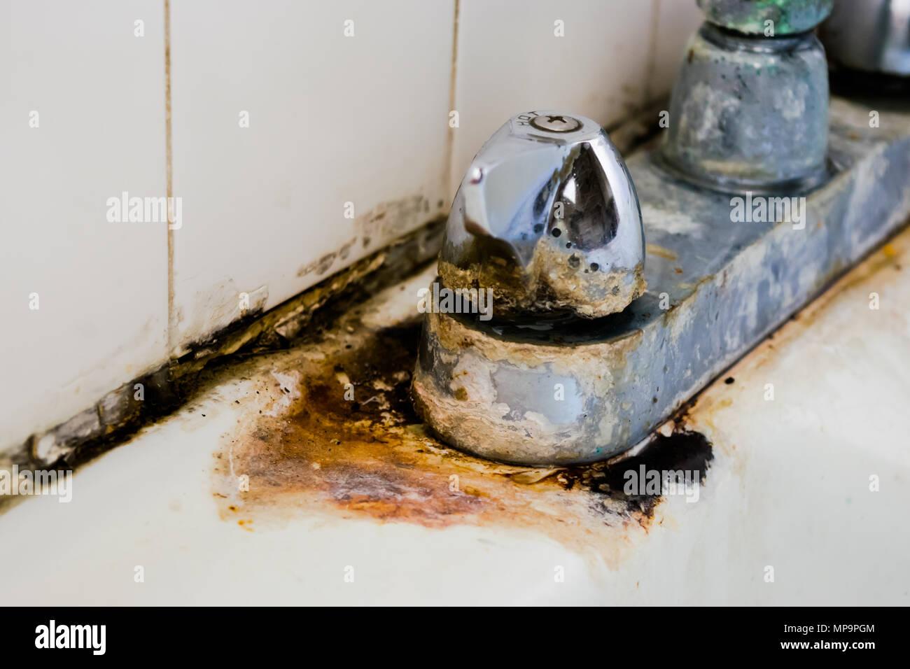 Favorit Hartes Wasser Kaution und Rost auf korrodierte Chrom Wasserhahn GP04