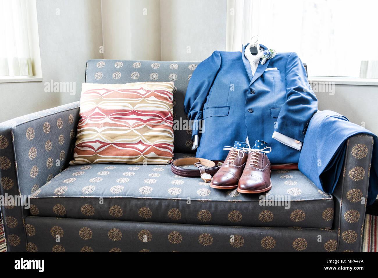 Leder Herren Neue Braune Schuhe Closeup Noch Leben Auf Der Blauen