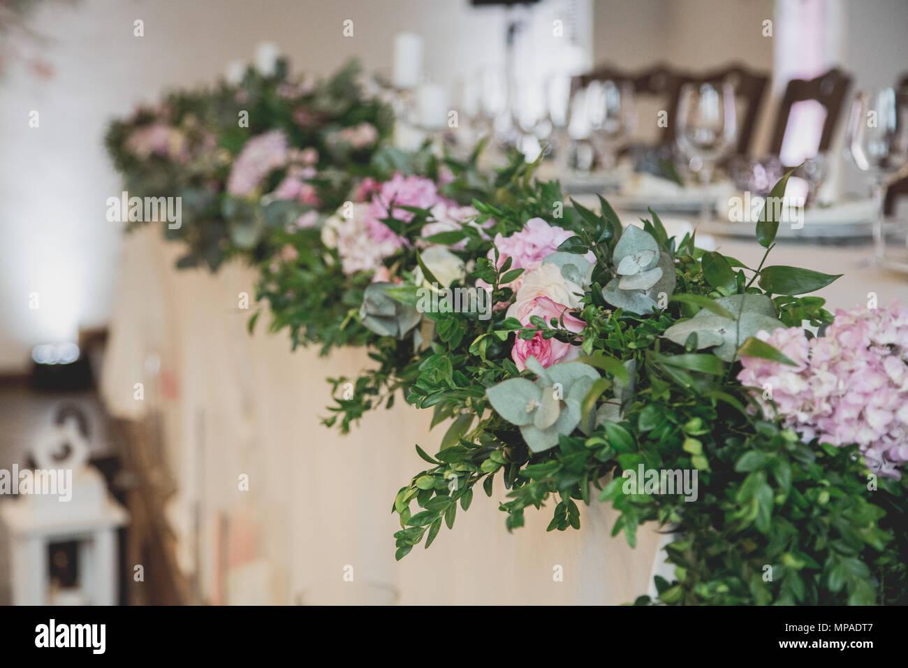 Hochzeit Tisch Im Restaurant Mit Vielen Transparenten Gläser