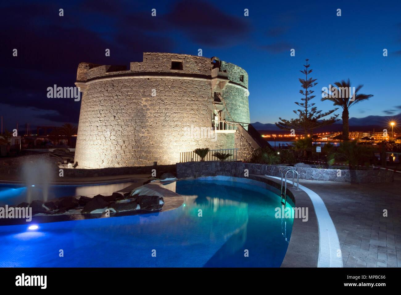 18. Jahrhundert spanischer Turm; Caleta del Fuste, Fuerteventura, Canaray Inseln, Spanien | Wachturm in Nymphenburg, Gern und Neuhausen Stockbild