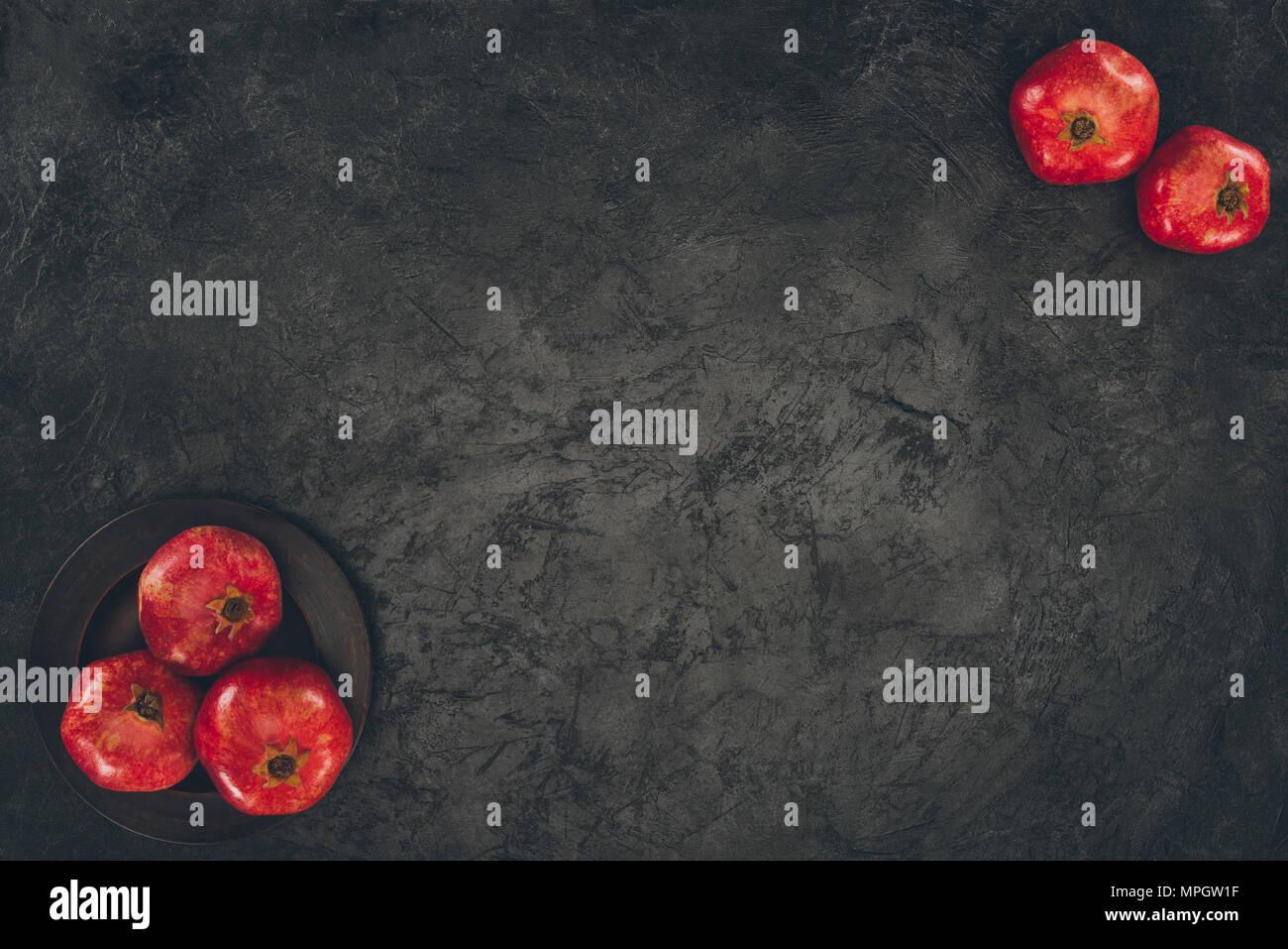 5 Granatäpfel Stockbild
