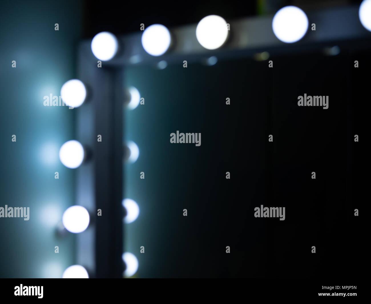 Make Up Spiegels : Unscharf von der ecke des make up spiegel mit glühbirnen mit platz
